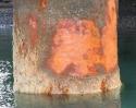 Produits de corrosion sur un pieu en environnement portuaire